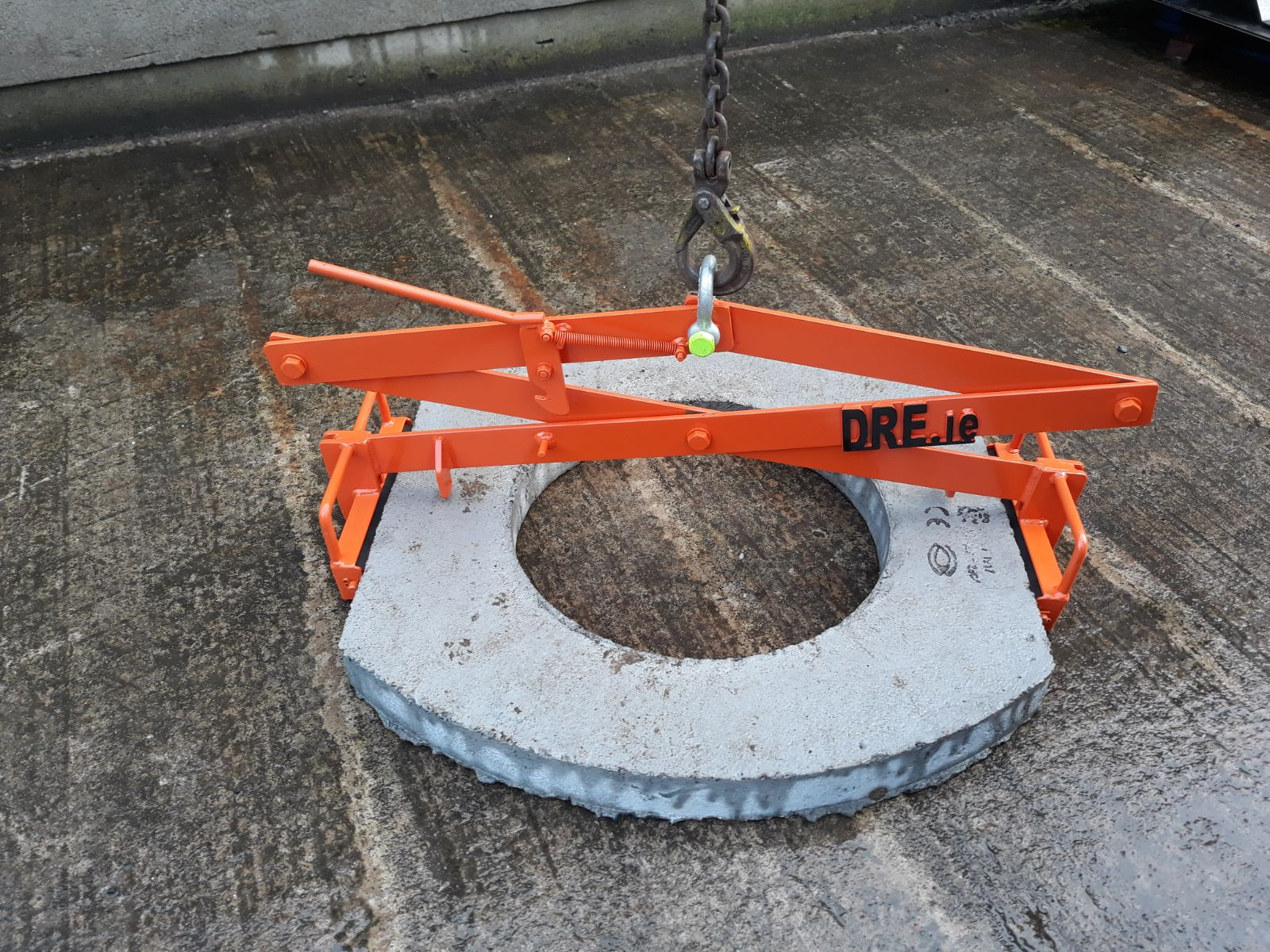 manhole concrete cover slab lifter dre.ie